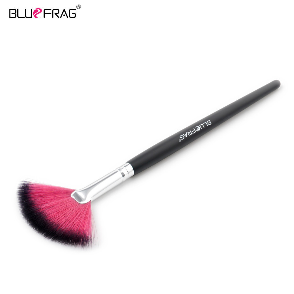 1pcs Fan Blusher Makeup Brush Natural-synthetic Brushes Professional Pincel Maquiagem Brushes Make Up Powder Brush BLUEFRAG